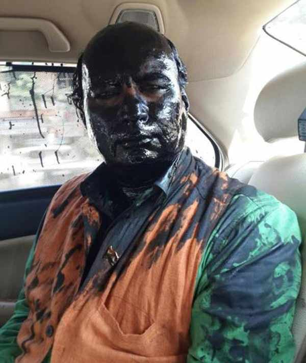 In the face: Kulkarni blames Shiv Sena for ink attack over Kasuri book