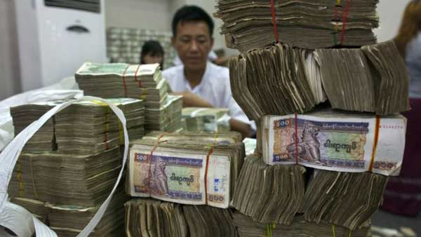Myanmar to curb use of US dollar