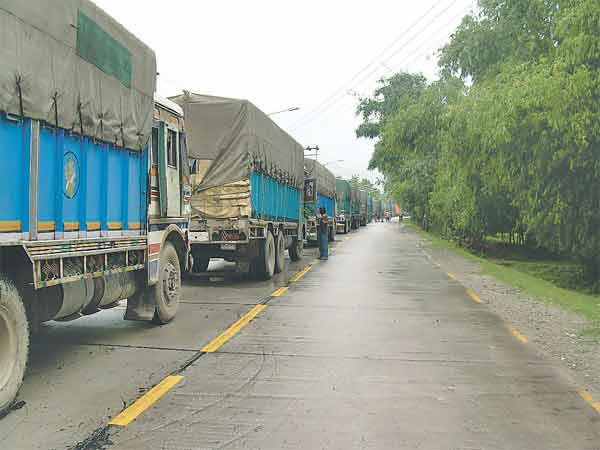 Nepal-Bangladesh bilateral trade halted