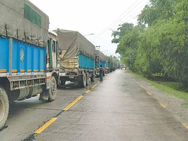 Nepal-Bangladesh bilateral trade halted