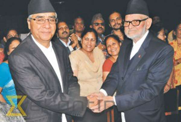 Oli, Koirala in PM race