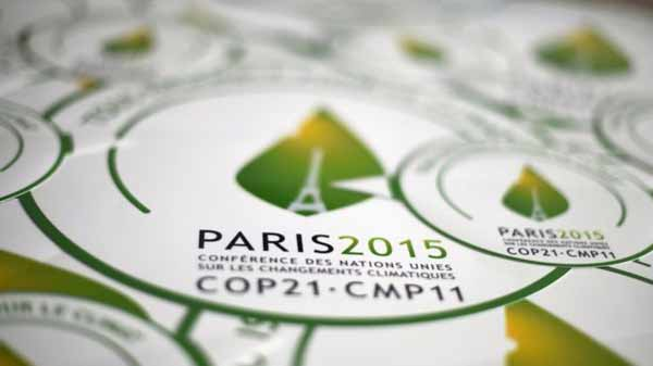COP21: Climate delegates agree draft deal text