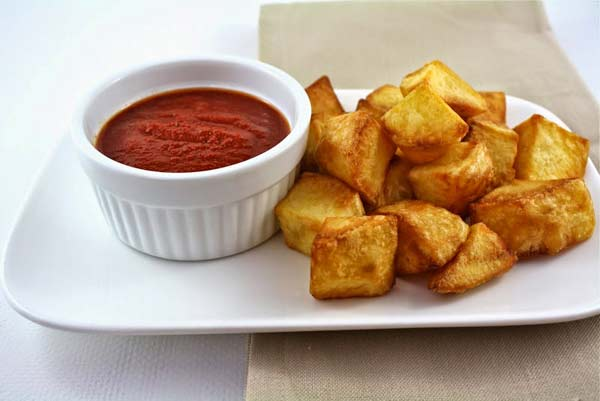 Kids special potatoes with spicy tomato sauce