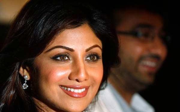 Shilpa Shetty, Raj Kundra launch Viaan Mobiles