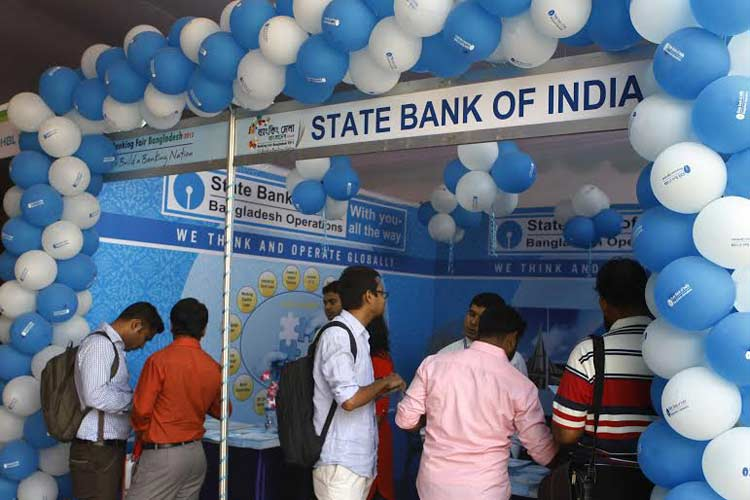 State Bank of India working to facilitate Int'l travel card