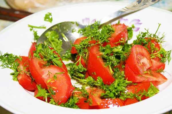 Simple tomato salad in winter