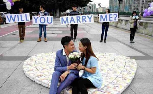 Man proposes with diapers instead of diamonds