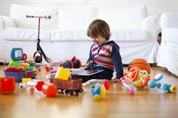 E-toys hamper kids' language development