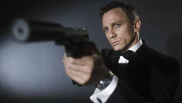 Die another day: Bond bosses really want Daniel Craig to stay