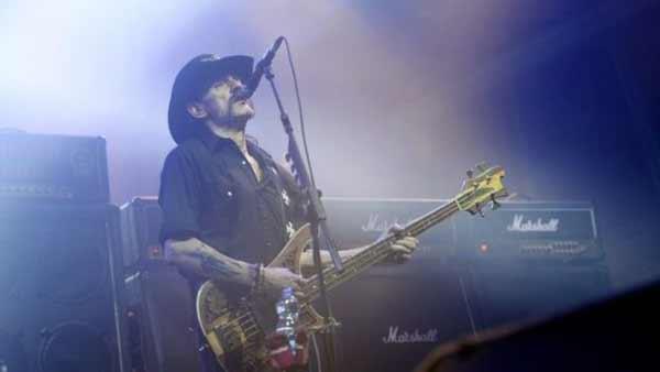 Motorhead frontman Lemmy dies aged 70