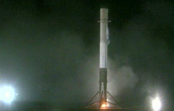 SpaceX rocket in historic vertical landing