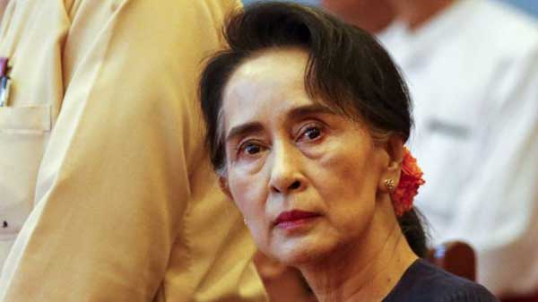 Former Myanmar military ruler 'supports new leader'