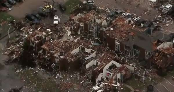 Tornadoes in Texas leave 11 dead