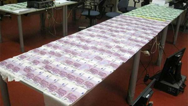 Austrian boy finds €100,000 in river Danube