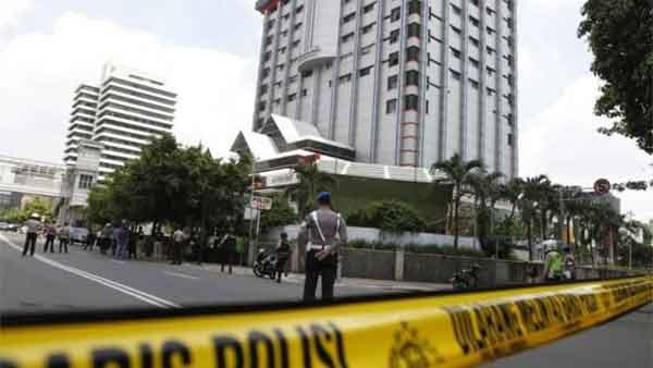 Multiple bomb and gun attacks kill 7 in Indonesia