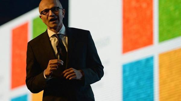 Microsoft makes $1bn cloud pledge