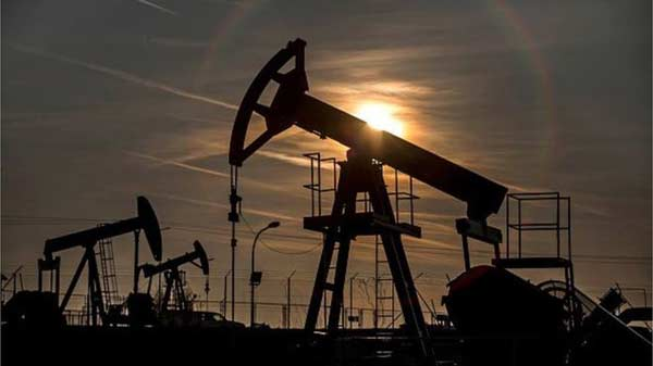 Oil prices fall again on output fears