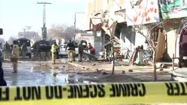 14 killed in blast near Pakistan polio centre