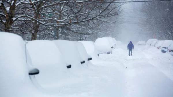 18 dead as mammoth snowstorm hits US