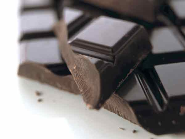 Eating chocolate regularly 'improves brain function'