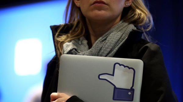 Facebook hit by French privacy order