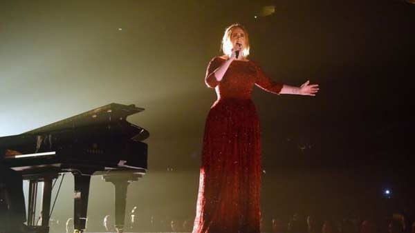 Taylor Swift wins top album Grammy