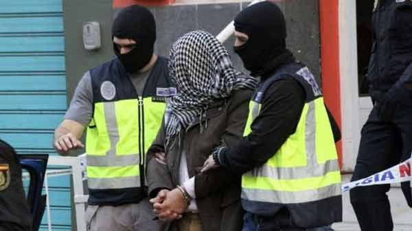 Spain breaks up 'IS jihadist cell'