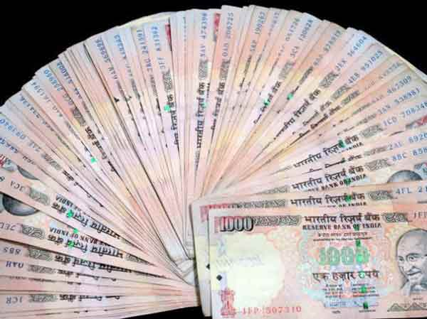 Indian Rupee gains 5 paise against US dollar in early trade