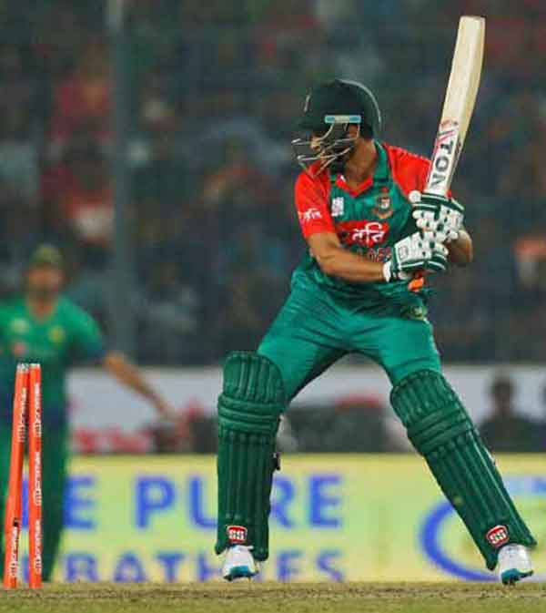 Bangladesh's Shakib reprimanded for stump strike