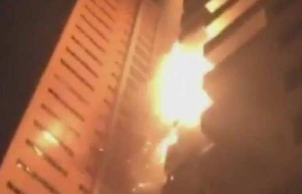 Huge fire hits UAE residential towers