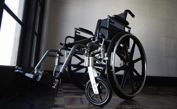 Scientists develop mind-controlled wheelchair
