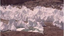 Glaciers with a flotilla of 'ice sails'