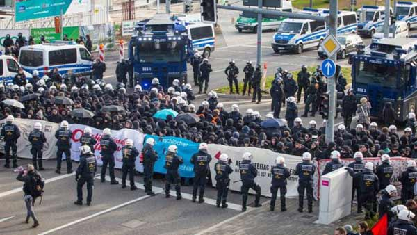 Clashes at Germany far-right conference