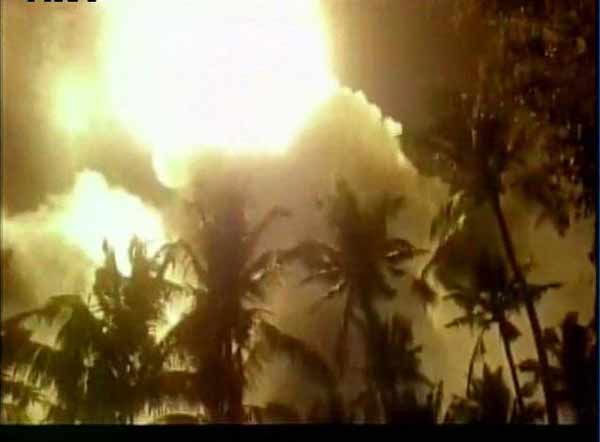 <strong>India temple fire: 102 dead, over 350 injured</strong>