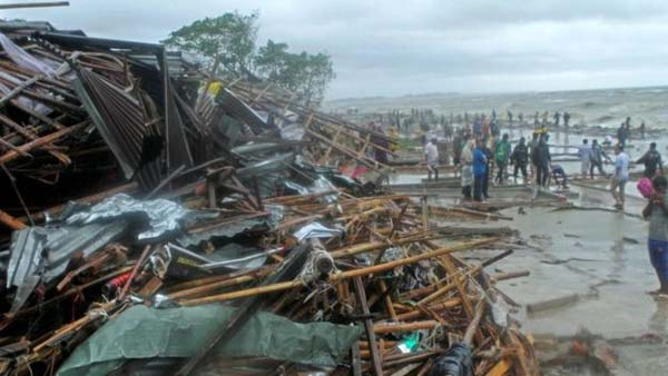 Cyclone 'Roanu' kills 24 in Bangladesh