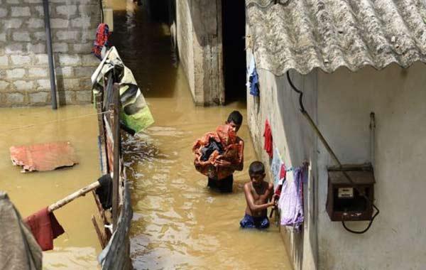 Scores missing after Sri Lanka mudslide