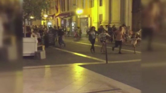 80 killed in French as lorry hits crowd