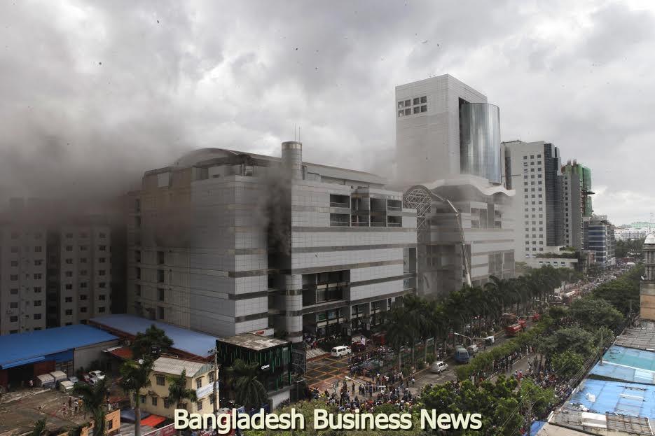 Fire engulfs Bashundhara Mall in Bangladesh