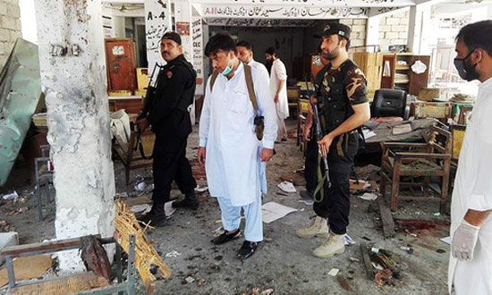 Bomb blasts kill 13 in Pakistan