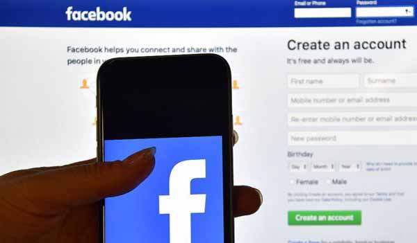 Facebook warns advertising growth to slow