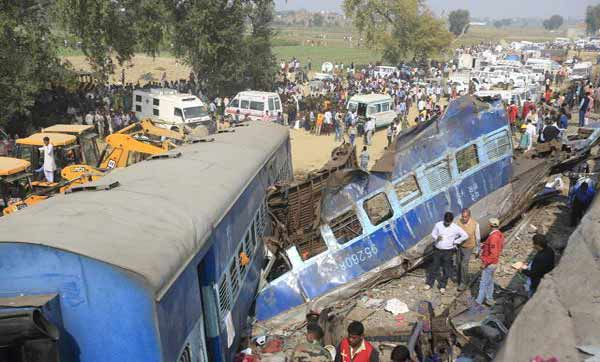 India train crash rescuers work overnight