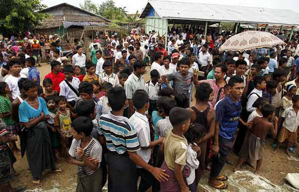 Bangladesh presses Myanmar on Rohingya
