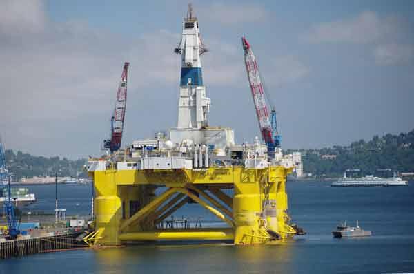Obama bans oil drilling in areas of Atlantic, Arctic oceans