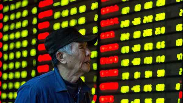 Major Asian markets trade lower, Hong Kong shines