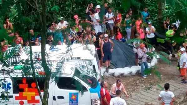 Colombia bridge collapse kills at 11