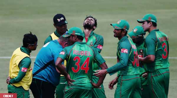 Bangladesh captain Mashrafee suffers fractured thumb