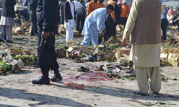 Blast kills 21 in Pakistan vegetable market