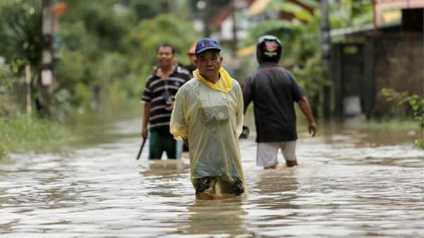 13 provinces of Thailand battles deadly floods