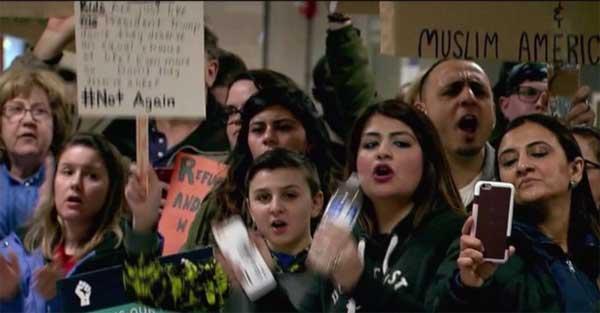 Judge blocks Trump immigration ban