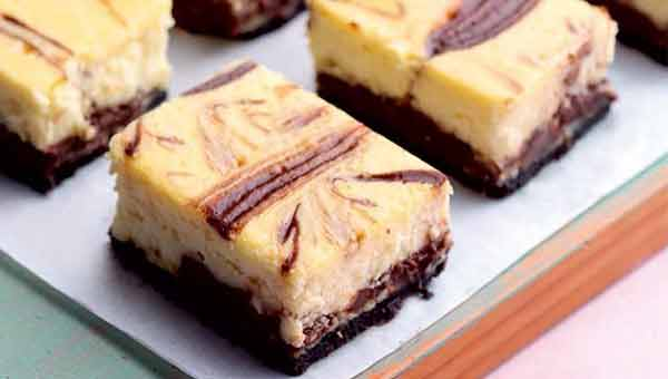 Chocolate-coffee cheesecake bars for dessert lover's